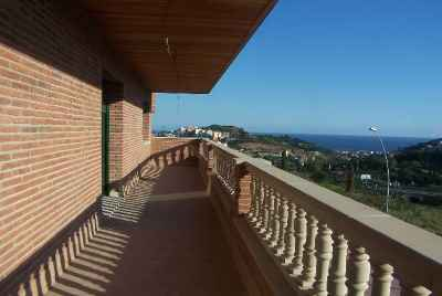 House with sea view only 30 minutes from Barcelona